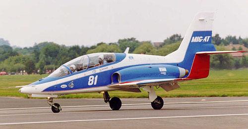 Учебно-тренировочный самолет МиГ-АТ