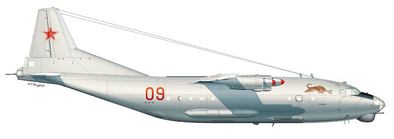 "Ан-12БК ""борт 09"" (зав.№ 7345203) 257-го ОСАП 1-й ВА, аэродром Хабаровск-Большой, август 1997 г. (По материалам Ю. Каберника)"