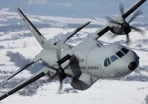 Самолёт С-295 разрешение картинки 1600х1126